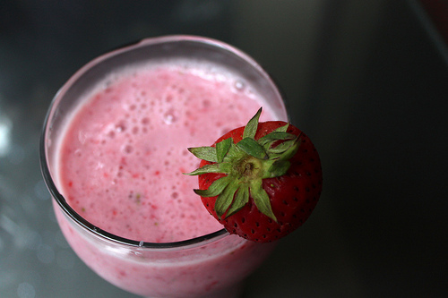 Use champagne in smoothies for flavor and a little extra fizz.  Photo: thisisbossi, Flickr