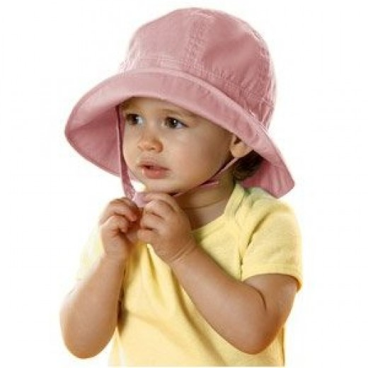 Baby sun hat courtesy of amazon