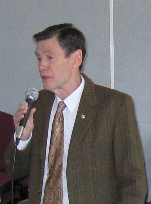 Tom has been speaking to audiences for nearly forty years and examples of alliteration are often used in his presentations.