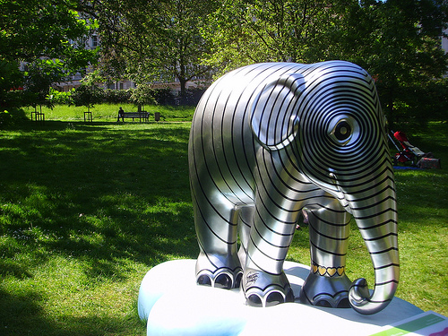 Photo by: http://www.flickr.com/photos/ajburgess/4633040949/