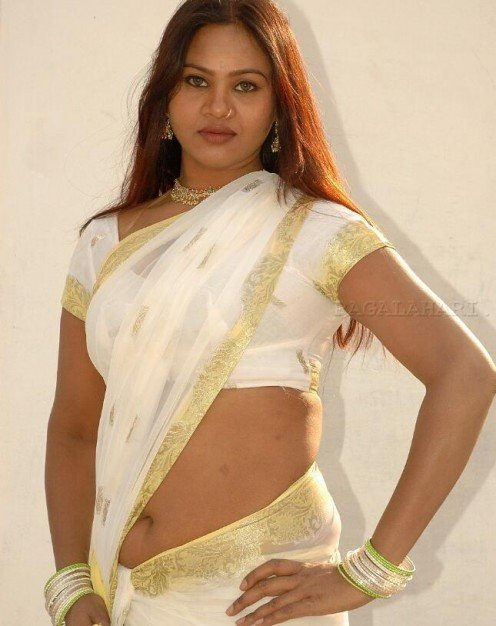 Indian Saree Aunties Sexy Real Life Mallu Aunty Collection Image 17