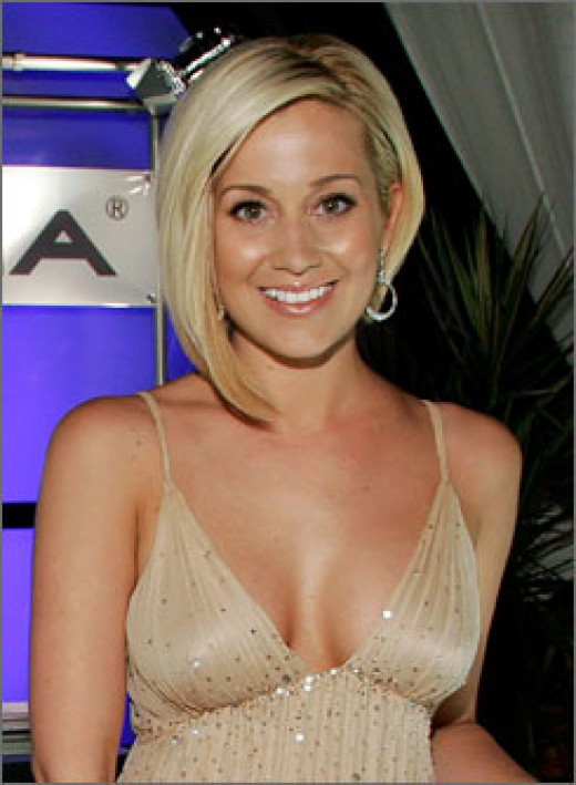 Some of the hottest 2008 summer hairstyles and haircuts inlcude angled bobs,