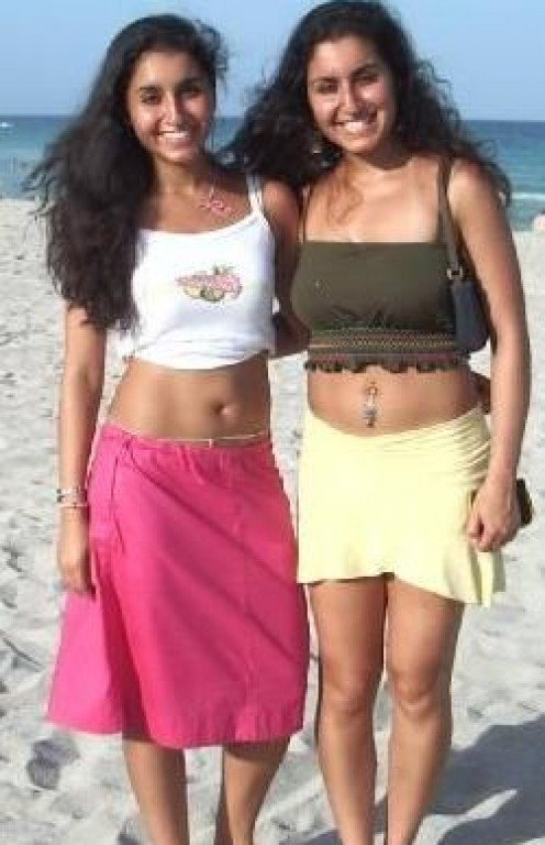 Indian Bikini Girls Abroad - Sexy Hot  Babes in Beach Image 8