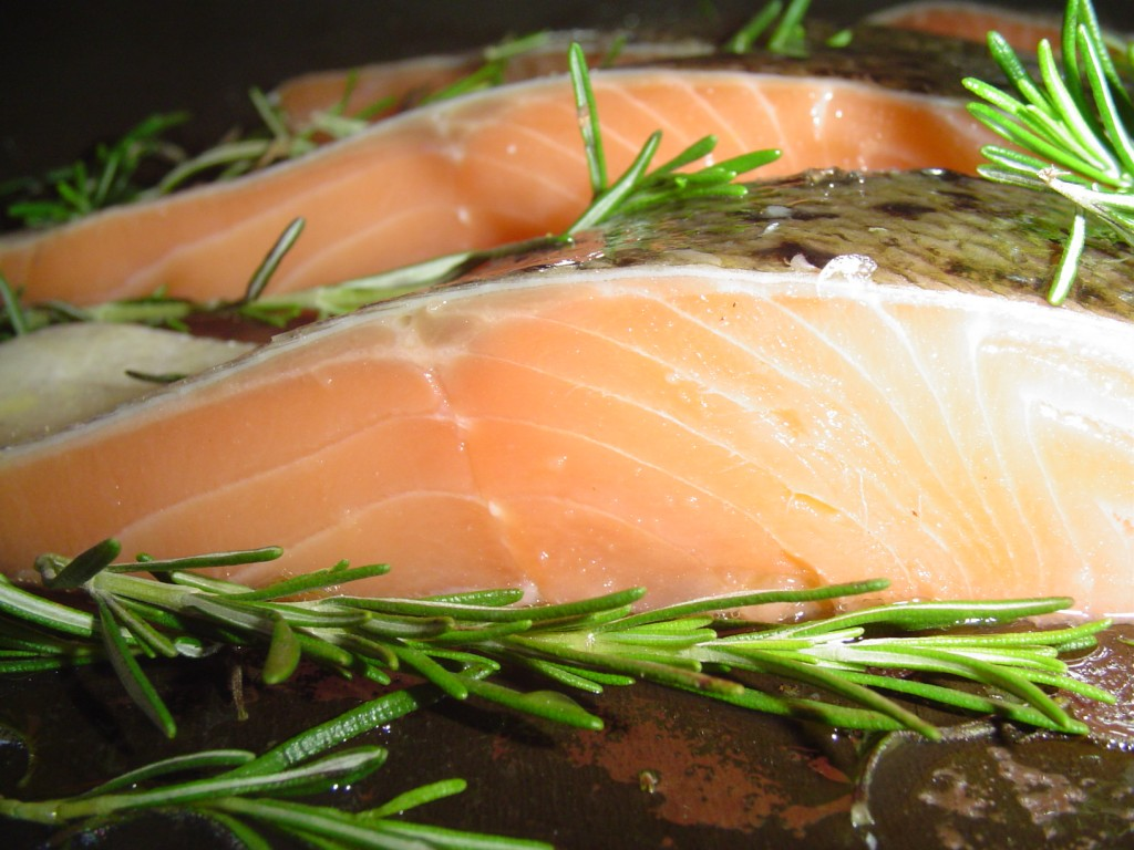 Foods that lower cholesterol fish hubpages for Cholesterol in fish