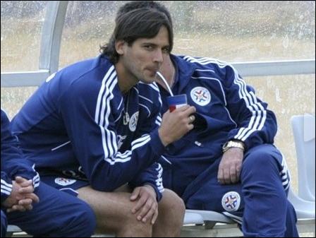 Rogue Santa Cruz Paraguay 2010 FIFA WORLD CUP South Africa (AFP Photo)