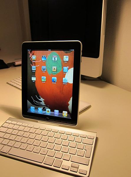 Choose an iPad  Courtesy of Wikimedia Commons  http://www.flickr.com/people/80008898@N00
