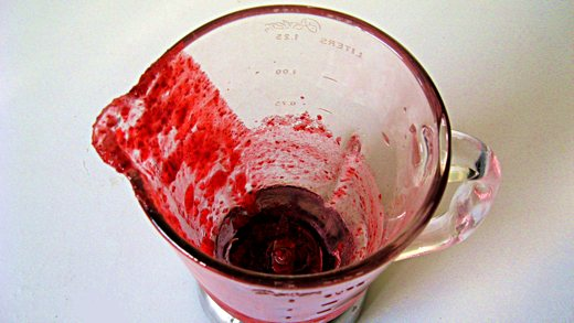 Pour the cranberry mixture from a blender into an ice cream maker / Photo by E. A. Wright
