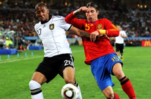 World Cup 2010:Jerome Boateng -Sergio Ramos , Germany - Spain (Getty Images)