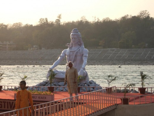 The Shiv Statue at Rishikesh Ghat