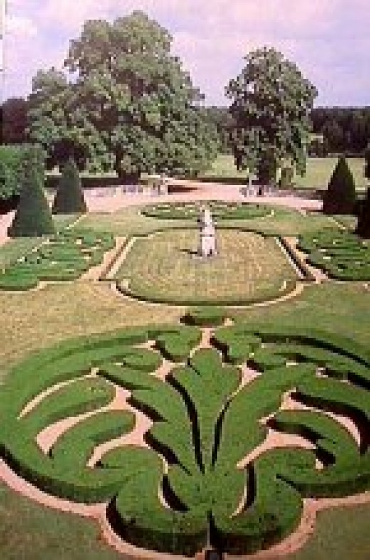 Chateau de Bouges Gardens