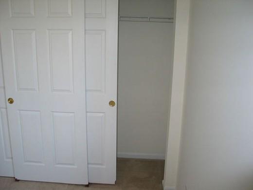 3 Sliding Closet Doors 520 x 390