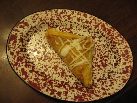 Learn to make delicious turnovers in my pastry school!