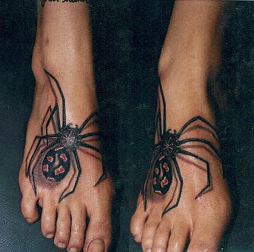 Arghhhhhhhhhhhhhh those spider tattoos even scare me as I hate feet,