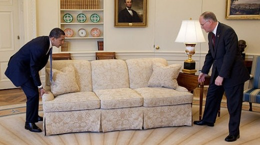 US President Barack Obama moves his sleeping furniture into the White House. Photo copyright Pete Souza via Wikimedia Commons