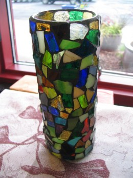 The Forbidden Vase displayed on Sapphire's royal window sill(Google Image)