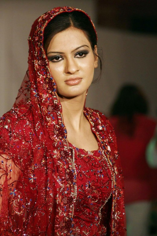 pakistani girls wallpapers. Beautiful Pakistani Girls