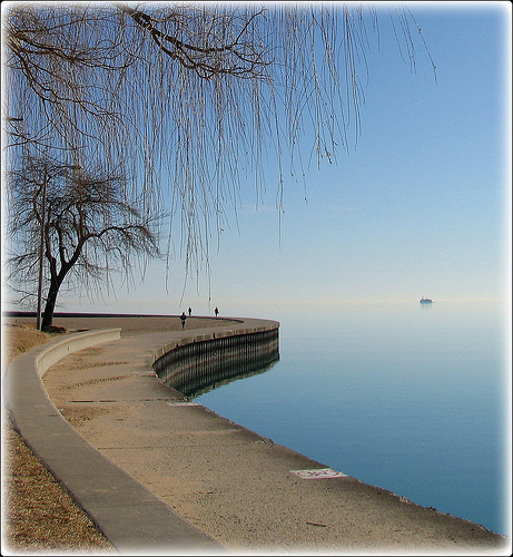 Tranquil Shore of Lake Michigan Right in the City - Photo: ClaudiaCastro,Flickr