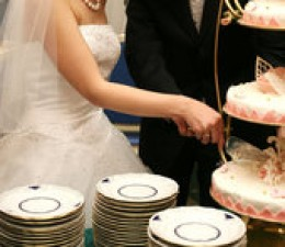 This cake gives the appearance of a tiered cake, because of the cake stand.