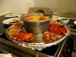 Hot Pot Style of Eating and Cooking : Hot Pot and Foods That Can be Cooked with Hot Pot