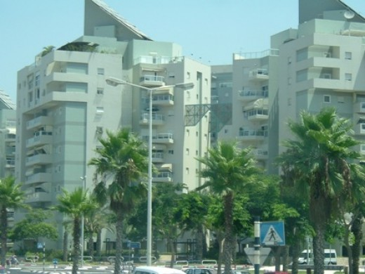 Solar plates on the roof of a multiapartment building in Ashdod.