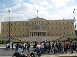 Greek Parliament, Syntagma square, Athens, Greece.  Photo by dungodung (flickr)