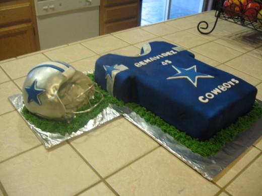 Pin nfl theme cake by classic cakes sakthi cakesdecorcom cake on