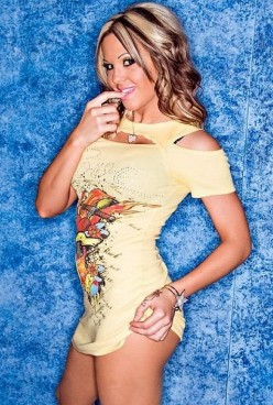 Female Wrestling - Former TNA Knockout Velvet Sky