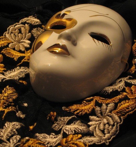 Masquerade masks come in many different styles.