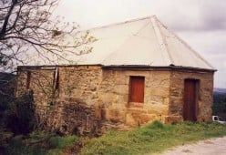 The Toll House at the foot of the Montagu Pass over the Outeniqua Mountains. The pass was completed in 1847. Photo by Tony McGregor