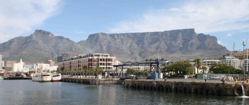 Tble Mountain looks down onto the V and A Waterfront. Photo by Tony McGregor