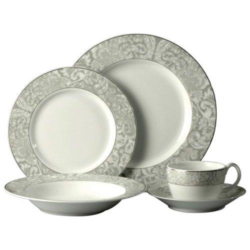 Oneida Plates Set