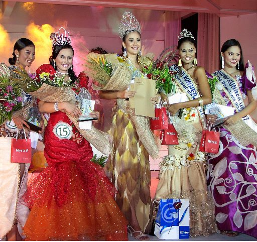 Ms. Philippines Earth Eco Tourism 2008 along with title holder Karla Henry (c/o http://www.nagagov.ph/)