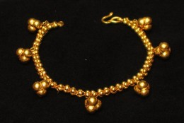 Gold Jewelry Buying Guide