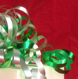 Use 2 colours of curling ribbon