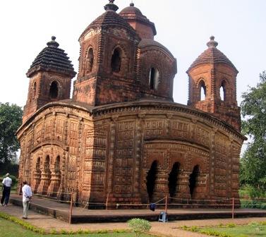 Shyam Rai Temple. Bishnupur,Dt : Bankura. Mallaraj Raghunath Singha. 1694 AD. Also Known as : Pancha Ratna Temple.