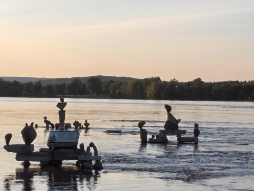 The Rock scultures on the Ottawa River: a yearly attraction since 1986