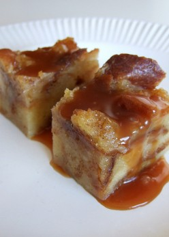 Easy Bread Pudding Recipe With Whiskey Sauce