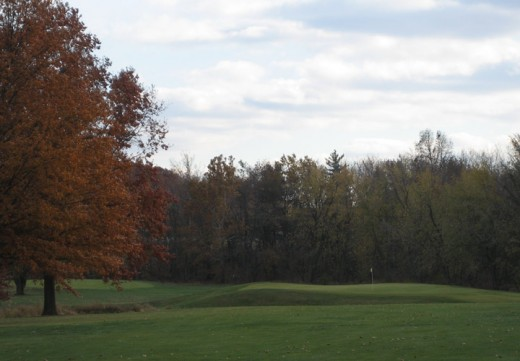 Hole 13 at Edgewood Golf Course in Auburn, IL. Picture courtesy of www.edgewoodgc.com
