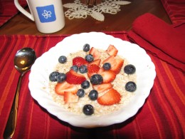High-fiber cereal topped with fresh fruit