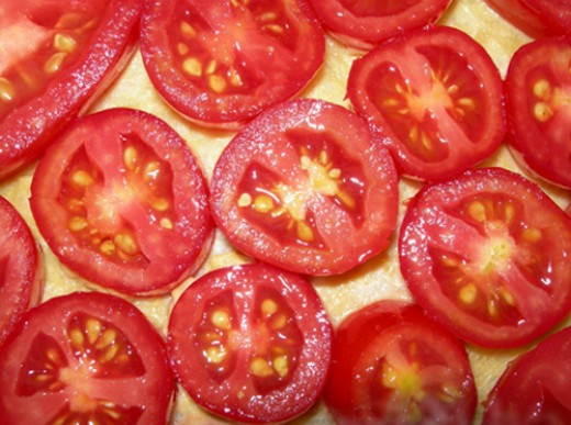 Home grown tomatoes or tomatoes you purchase at a local farmers market will provide you with the best tomato taste in your ultimate BLT sandwich.