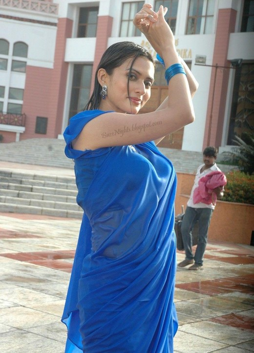 Gowri Pandit Looking Hot in Blue Saree -  Stills