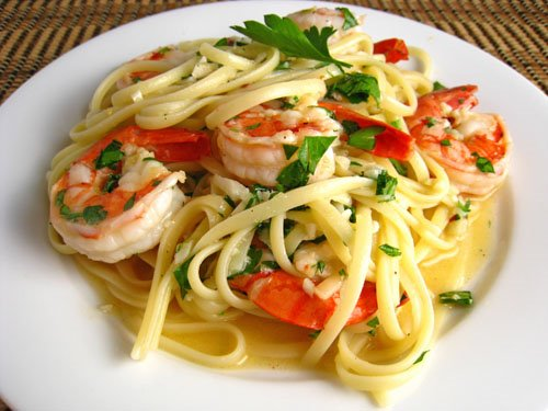 I guarantee you that this is one of the most delicious shrimp scampi recipes you will ever taste.
