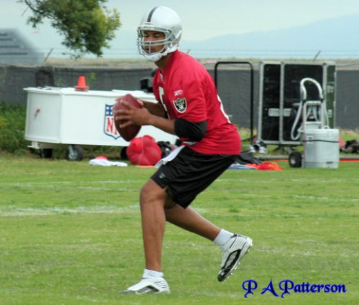 New Oakland quarterback Jason Campbell struggled in his debut for the Raiders Thursday night against the Cowboys.