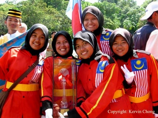 School girls, Malaysia Photo: kewinchong from flickr