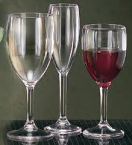 Plastic Wine Glasses- Perfect for Outdoor Fun