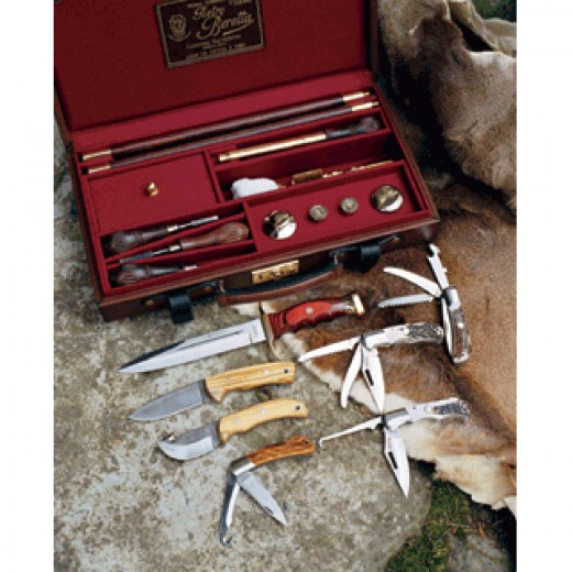 Here's a great assortment of hunting knifes.