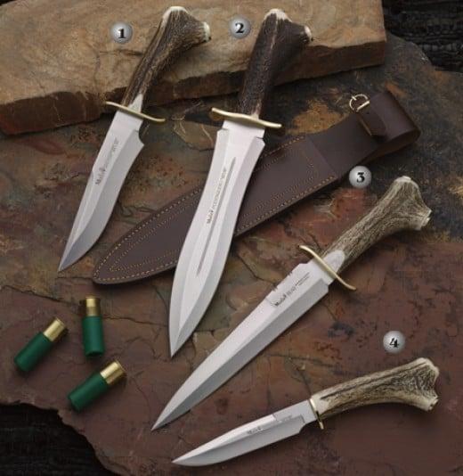 Some really nice bone handled deer hunting knifes.