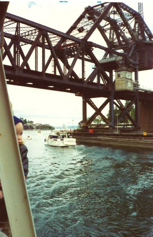 Passing under another draw bridge