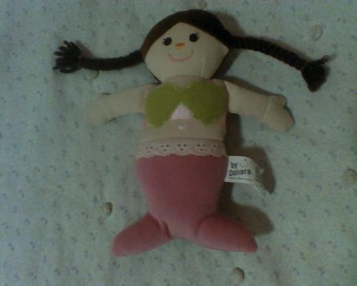 Ariel, the 6-year-old mermaid