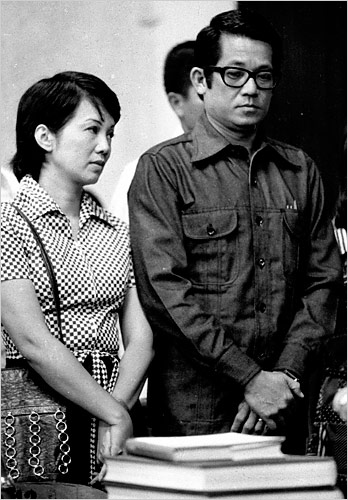 CORY and NINOY (Photo courtesy of http://graphics8.nytimes.com/)